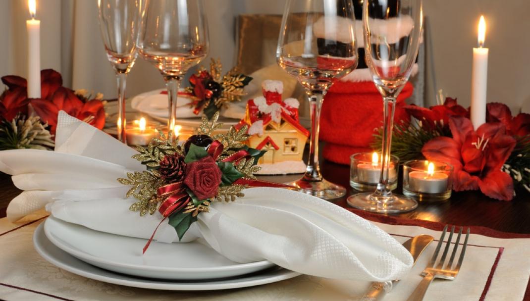 Puliti&Felici - Come apparecchiare la tavola per il Cenone di Capodanno