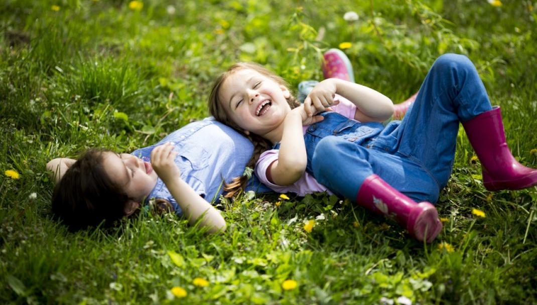Puliti&Felici - Eliminare le macchie di terra, fango ed erba