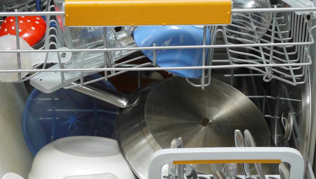 Puliti & Felici - Lavare la plastica in lavastoviglie
