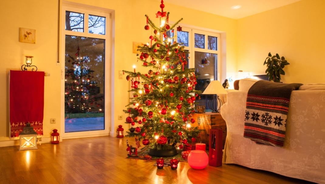 Addobbi Natalizi Quando Toglierli.Pulire L Albero Di Natale E Gli Addobbi Natalizi