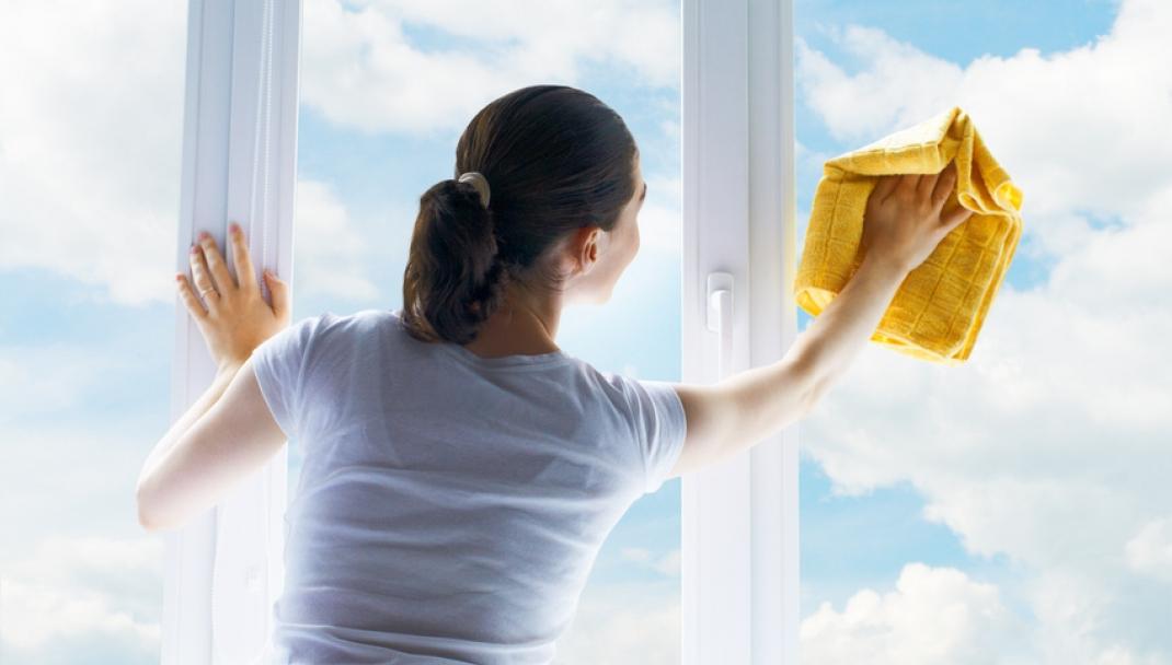 Puliti & Felici - Lucidare specchi e vetri